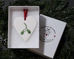 Heart Hand-painted Mistletoe