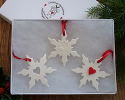 Snowflake Medium Set of 3 Mix Red Heart